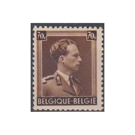 427** King Leopold III - Profile right -Type 'Open collar'